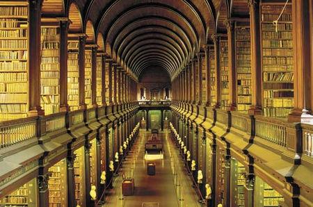 圣三一学院图书馆