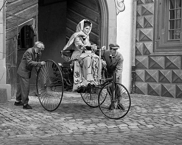 巾帼不让须眉 那些影响汽车历史的女性
